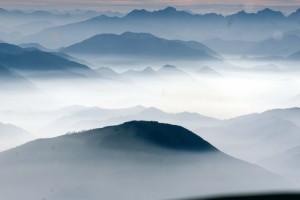 berg-wolkenschleier
